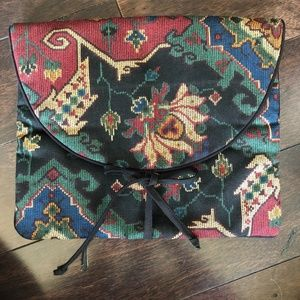 Maggie B Laptop/Tablet Pouch - Made in Canada 🇨🇦